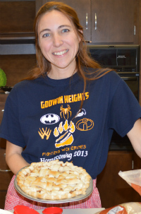 Art teacher Deanne Basse teaches students to make pies to bring home for Thanksgiving