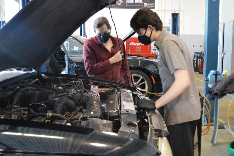 Help wanted: auto mechanics